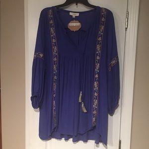 UMGEE NWTO Beautiful bohemian embroidered tunic.
